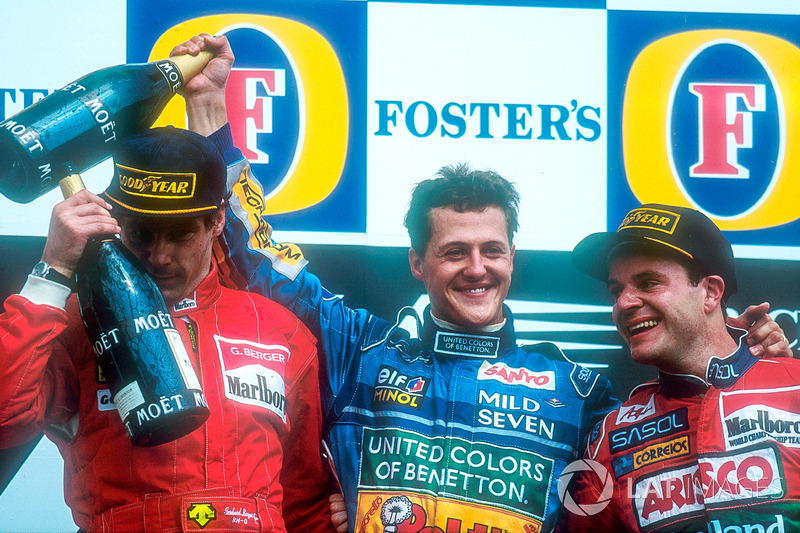 Pódio do GP do Pacífico: Gerhard Berger, McLaren, Michael Schumacher, Benetton, e Rubens Barrichello, Jordan