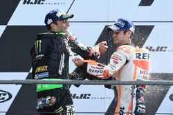 Deuxième place Johann Zarco, Monster Yamaha Tech 3, troisième place Dani Pedrosa, Repsol Honda Team