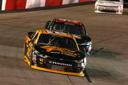 Brendan Gaughan, Richard Childress Racing Chevrolet und Dylan Lupton, JGL Racing Toyota