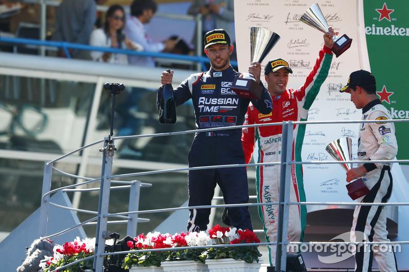 Luca Ghiotto venceu as duas provas da F2 em Monza, mas teve a primeira vitória cassada. Antonio Fuoco herdou o triunfo.