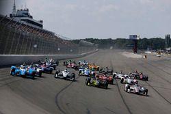Takuma Sato, Andretti Autosport Honda, Simon Pagenaud, Team Penske Chevrolet, Charlie Kimball, Chip