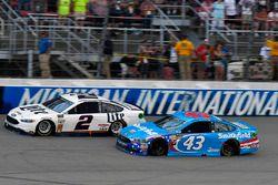Brad Keselowski, Team Penske Ford, Aric Almirola, Richard Petty Motorsports Ford