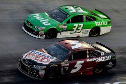 Кейси Кейн, Hendrick Motorsports Chevrolet и Джеффри Эрнхардт, The Motorsports Group Chevrolet
