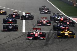 Départ : Charles Leclerc, PREMA Racing mène
