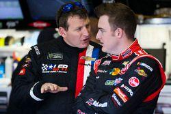 Michael McDowell, Leavine Family Racing Chevrolet ve Ty Dillon, Germain Racing Chevrolet
