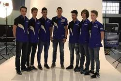 Учасники програми Yamaha bLU cRU