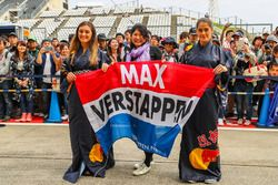 Max Verstappen, Red Bull Racing fans en spandoek