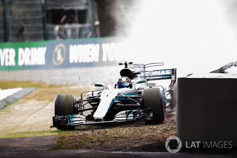 Valtteri Bottas, Mercedes-Benz F1 W08 se sale de pista