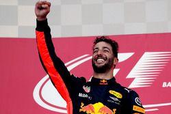 Podium: winnaar Daniel Ricciardo, Red Bull Racing