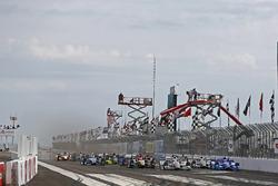 Will Power, Team Penske Chevrolet aan de leiding bij de start