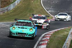 #44 Team Falken Motorsport, Porsche 991 GT3-R: Jörg Bergmeister, Dirk Werner, Laurens Vanthoor