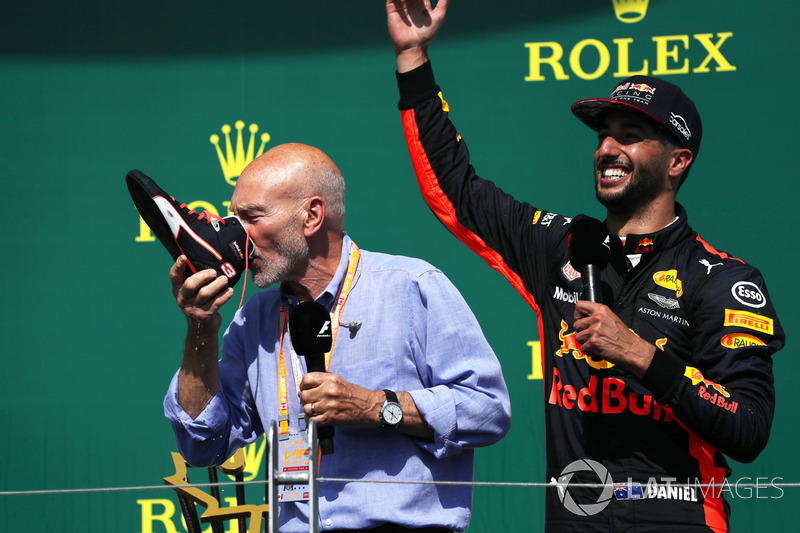 Podium: Patrick Stewart, does a Shoey, Daniel Ricciardo, Red Bull Racing