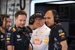 Christian Horner, Team Principal Red Bull Racing, Max Verstappen, Red Bull Racing et Gianpiero Lambiase, ingénieur de course Red Bull Racing