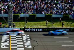 Ryan Blaney, Wood Brothers Racing Ford beats Kevin Harvick, Stewart-Haas Racing Ford to win