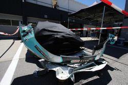 De gecrashte auto van Rob Huff, Leopard Racing