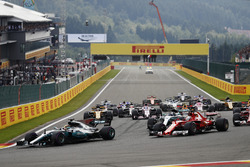 Startaction, Lewis Hamilton, Mercedes AMG F1 W08