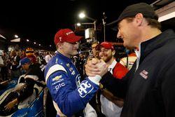 Ganador de la carrera Josef Newgarden, Team Penske Chevrolet, Tim Cindric