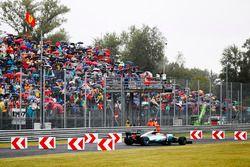 Valtteri Bottas, Mercedes AMG F1 W08, goes off the circuit