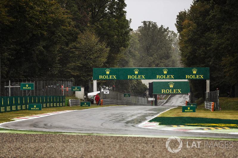 Pista mojada en la chicane Ascari de Monza