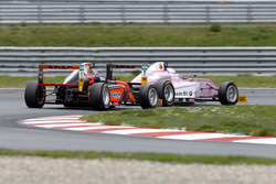 Felipe Drugovich, Van Amersfoort Racing; Oliver Söderström, Mücke Motorsport