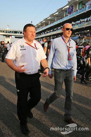 Zak Brown, Director Ejecutivo de McLaren con Donald Mackenzie, CVC Capital Partners gestión socio, C