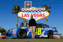 Jimmie Johnson, Hendrick Motorsports Chevrolet in front of the Welcome to Fabulous Las Vegas sign