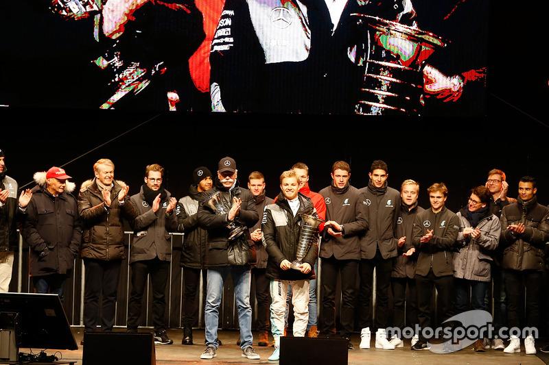 #3 Mercedes, campeones del mundo de constructores de la F1 2016