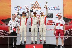 Podium: race winner Jordan Love, second place Presley Martono, third place Danial Nielsen Frost