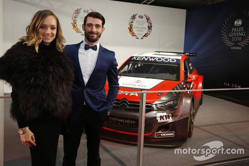 Jose Maria Lopez, Citroën, et sa femme