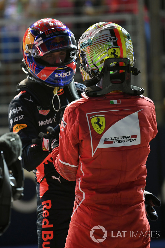 Max Verstappen, Red Bull Racing e Sebastian Vettel, Ferrari nel parco chiuso