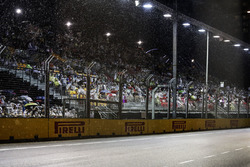 Rain falls prior to the start