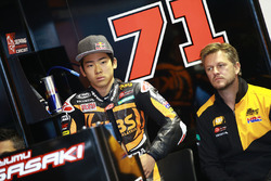 Ayumu Sasaki, SIC Racing Team, mit Johan Stigefelt, SIC Racing Team, Teammanager