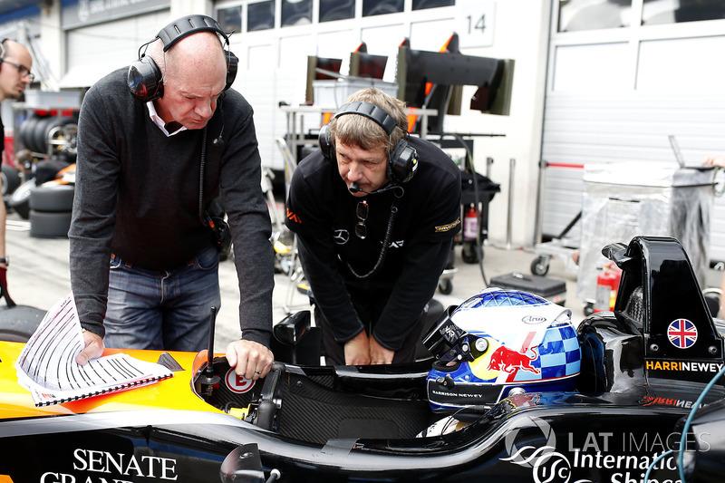 Harrison Newey, Van Amersfoort Racing Dallara F317 - Mercedes-Benz bersama ayahnya, Adrian Newey