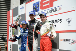 Podium: race winner Harrison Scott, RP Motorsport, second place Devlin DeFrancesco, Carlin Motorsport, third place Thiago Vivacqua, Campos Racing