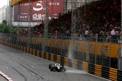 Nikita Mazepin, Hitech GP Dallara Mercedes gets wet