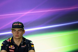 Max Verstappen, Red Bull Racing pendant une conférence de presse