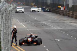 L'incidente di Anthoine Hubert, Van Amersfoort Racing Dallara Mercedes