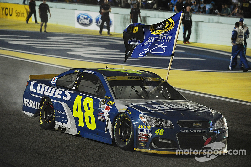 2016: Jimmie Johnson - Hendrick Motorports - Chevrolet
