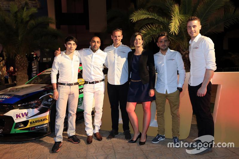 John Filippi, Tom Chilton, Sébastien Loeb Racing, Citroën C-Elysée WTCC con i membri del team