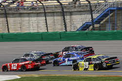 Ryan Blaney, Team Penske Ford, Casey Mears, Biagi-DenBeste Racing Ford, Jeremy Clements, Jeremy Clem