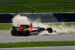 Fernando Alonso, McLaren MCL32 spins into the gravel
