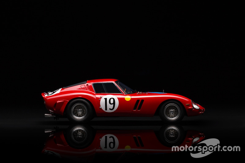 Amalgam scales down with new 1:18 Ferrari collection