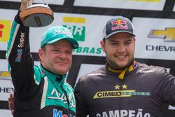 Rubens Barrichello e Felipe Fraga no pódio