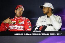 Sebastian Vettel, Ferrari en Lewis Hamilton, Mercedes AMG F1 in de persconferentie