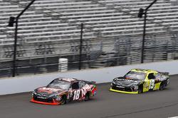Кайл Буш, Joe Gibbs Racing Toyota и Мэтт Тиффт, Joe Gibbs Racing Toyota