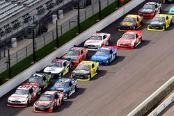 Kyle Busch, Joe Gibbs Racing Toyota and Joey Logano, Team Penske Ford