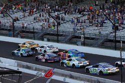 Jimmie Johnson, Hendrick Motorsports Chevrolet Denny Hamlin, Joe Gibbs Racing Toyota