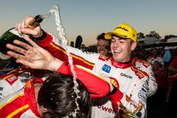 Le vainqueur Scott McLaughlin, Team Penske Ford