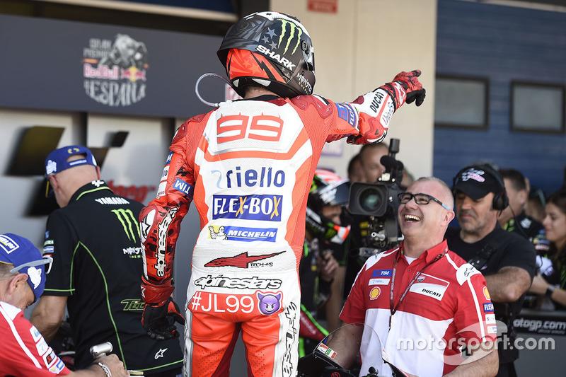 Jorge Lorenzo merayakan podium ketiga