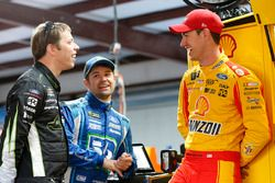 Brad Keselowski, Team Penske Ford, Ricky Stenhouse Jr., Roush Fenway Racing Ford, Joey Logano, Team Penske Ford